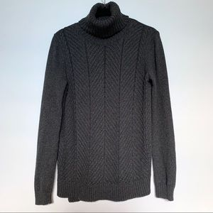 Ann Taylor Gray Turtle Neck Sweater Size M